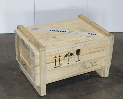 Packing products in wooden cases