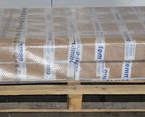 Packaging products on pallets