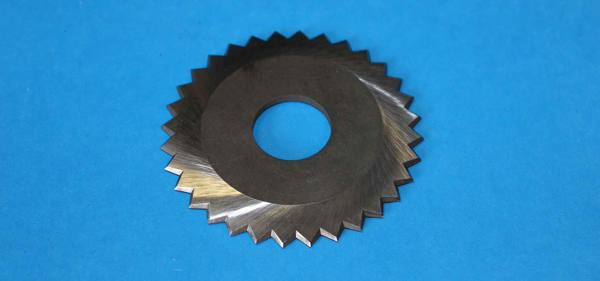 Circular and straight industrial blades